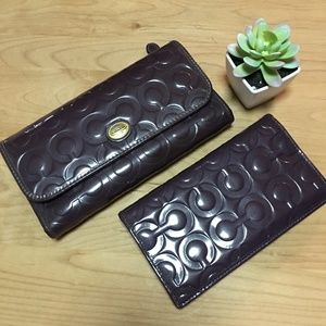 Coach Wallet & Checkbook Cover in Plum Patent